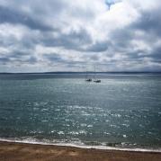 Blick über den Solent auf die Isle of Wight