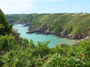 19. Petit Port (rechts) in der Moulin Huet Bay