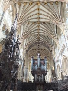 3. Das Gewölbe mit Orgel