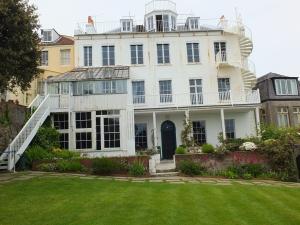 2.Hauteville House