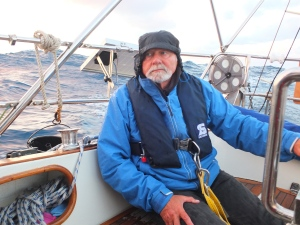 Wir segeln über die Biskaya.