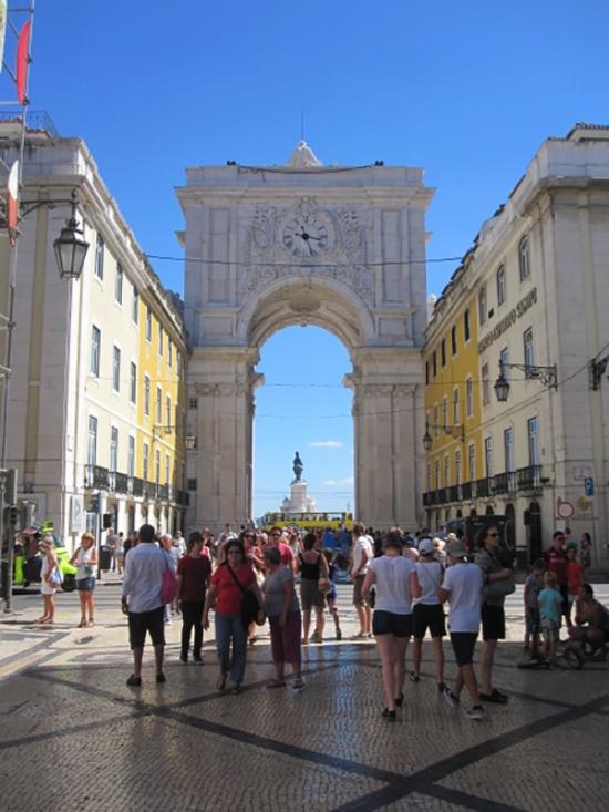 Lissabon: Stadttor an der Praca da Comerco