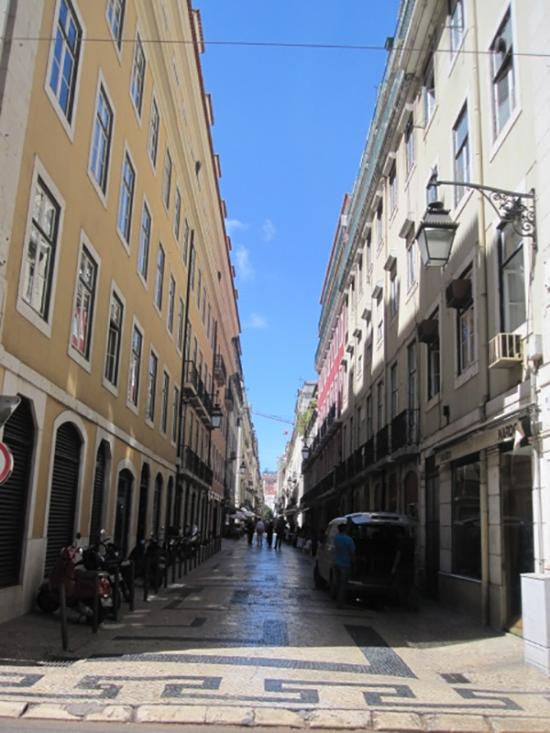 Die schnurgeraden Straßen der Baixa