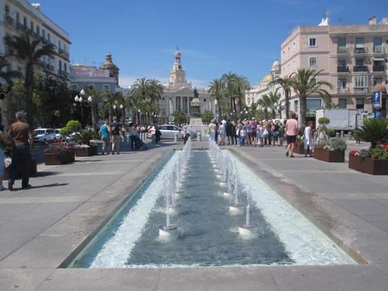 Blick auf das Rathaus von Cadiz