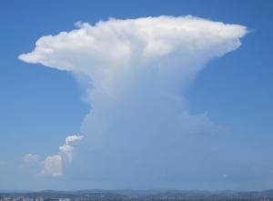 Ambosswolke auf dem Weg nach Las Fuentes
