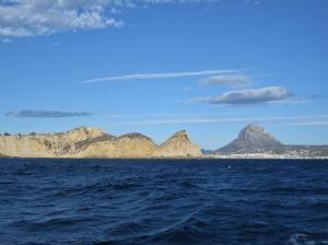 Javea entschwindet hinter dem Cabo de San Martin