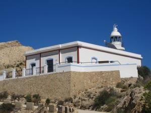 "Leuchtfeuer Punta del Albir, links die Reste des ""Torre Bombarda"""