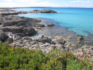 Calo de Sant Agusti mit blick auf Ibiza